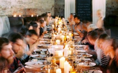 dineren-aan-lange-tafel-465x290